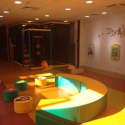structure de jeux intérieur pour une garderie