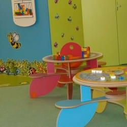 espace enfant aménagé au sein d'un magasin