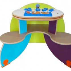table de jeux pour enfants dans une enseigne bancaire