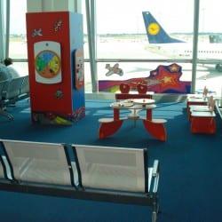 espace enfant dans un aéroport