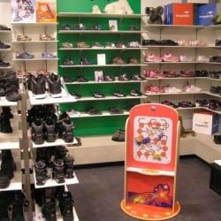 jeux pour enfants dans un magasin