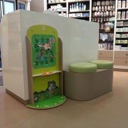 professionnel de l'aire de jeux intérieur pour pharmacie