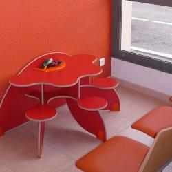 espace enfants dans une salle d'attente