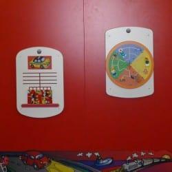tapis de voiture pour enfants dans une salle d'attente